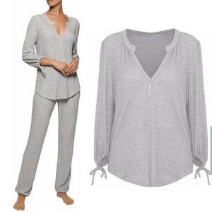 •EBERJEY• Gray Waffle-Knit Pajama Top M.